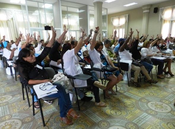 abogan-dirigentes-sindicales-camagueyanos-por-una-atencion-medica-con-calidad