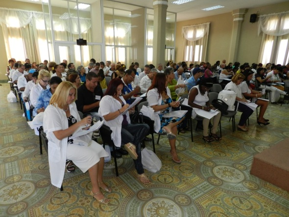 participan-en-conferencia-sindicato-de-la-salud