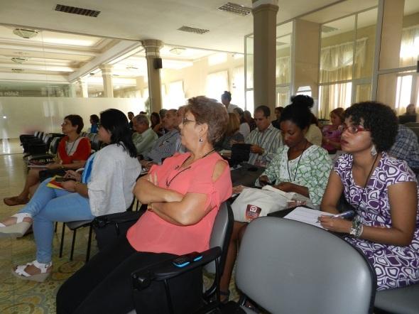 participantes-en-simposio-internacional-desafios-en-el-manejo-y-gestion-de-ciudades