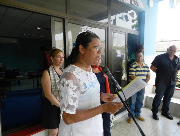 Alba de la Caridad Estévanez Novo, los exhortó a mejorar aun más la calidad de los servicios