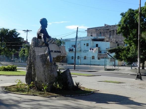 En la Avenida de los Presidentes ocupa un merecido espacio el Monumento al General ecuatoriano Eloy Alfaro. Foto Lázaro David Najarro Pujol