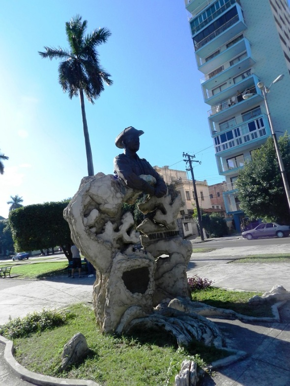 Monumento a Omar Torrijos en Avenida de los Presidentes. Foto Lázaro David Najarro Pujol