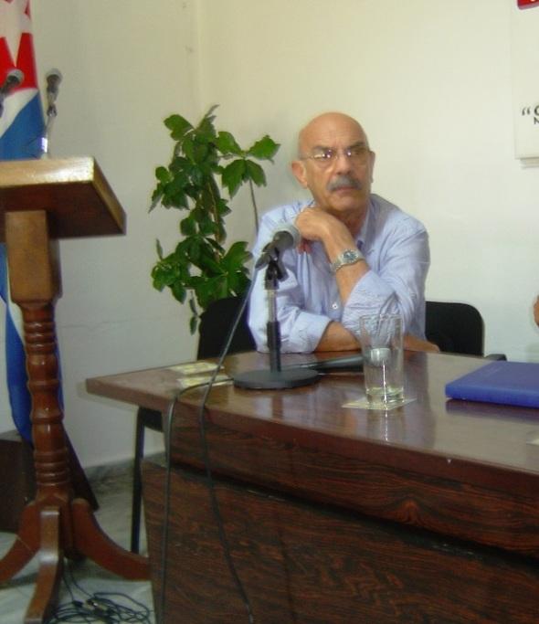 Antonio Moltó Martorell expone ideas en  la sexta edición del Frente Común de las Ideas que sesionó los días 15 y 16 de mayo de 2009 en Nueva Gerona, Isla de la Juventud.