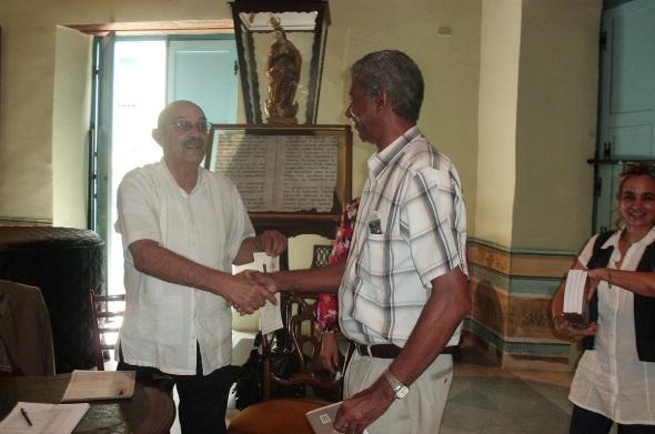 Antonio Moltó Martorell. Siempre sonriente, de mirada profunda…Foto en la graduación del III Diplomado Internacional Medios para Comunicar El Patrimonio. La Habana del 20 de mayo al 7 de junio 2013.