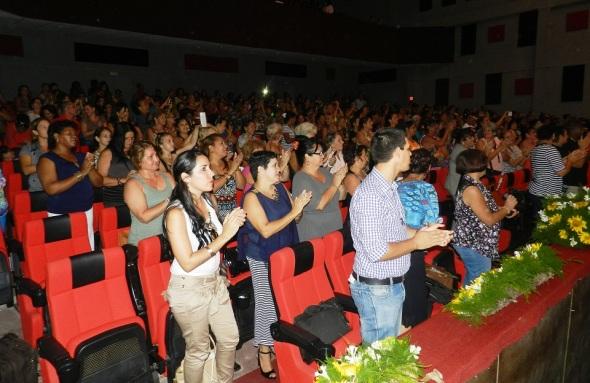 La cultura que ayuda a elevarse presente en el Teatro Avellaneda