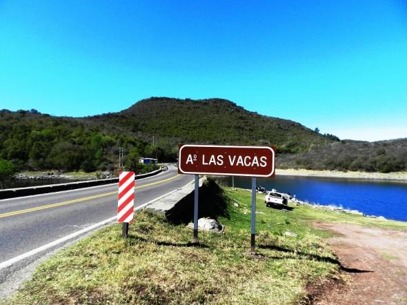 La municipalidad comienza en el Arroyo Las Vacas