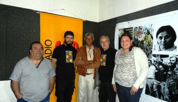 Con colectivo del programa variado La Feria de la emisora Radio Sur 90.1 FM en la ciudad argentina de Córdoba