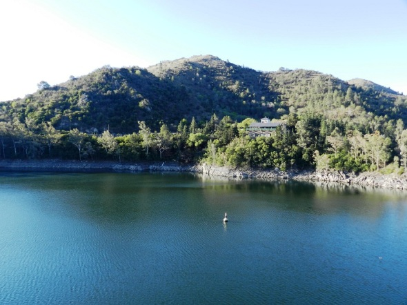 Los Molinos se alienta de los ríos San Pedro, Espinillos, el Medio y Los Reartes