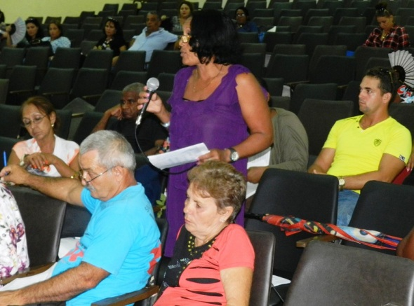 Asamblea efectuada en la Escuela Vocacional Máximo Gómez