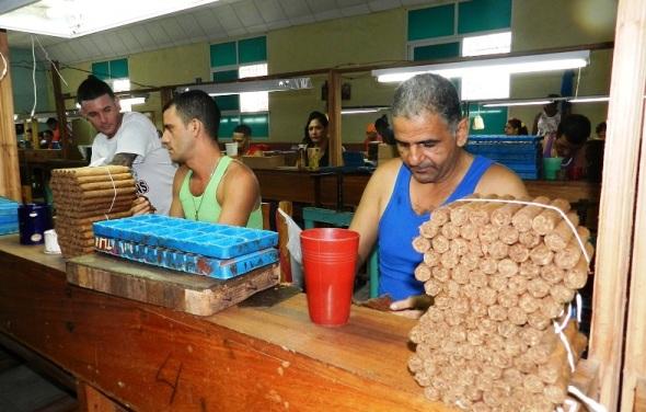 Fabrica de tabaco El Surco, de Camagüey. Foto Lázaro David Najarro Pujol.