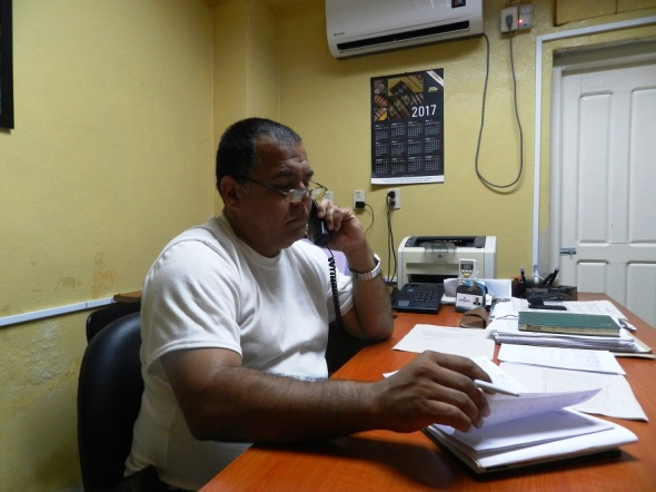 Ricardo Varona Pestana, director adjunto de la Empresa de Acopio, Beneficio y Torcido del Tabaco en el territorio