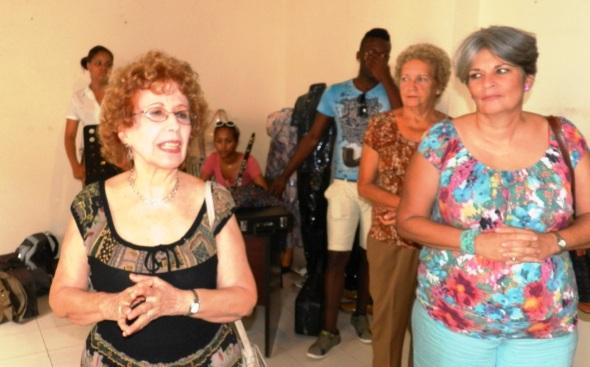Alicia en un encuentro en la escuela de arte camagüyana