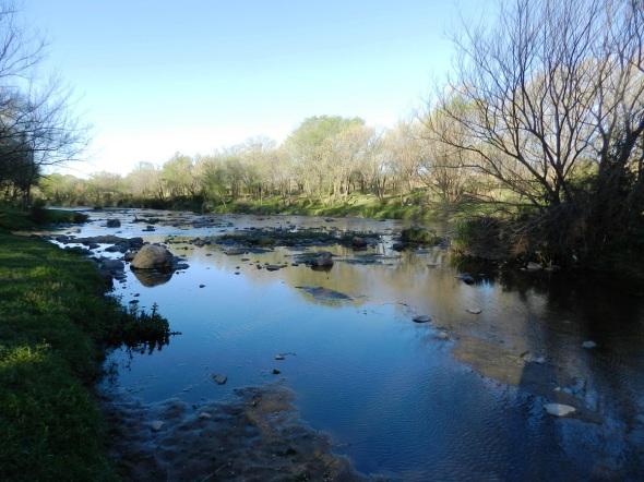 Atardecer en el río Los Reartes