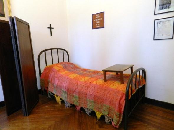 Cama que pertenició a Manuel de Falla, en Alta Gracia, Córdoba. Foto Lázaro D. Najarro