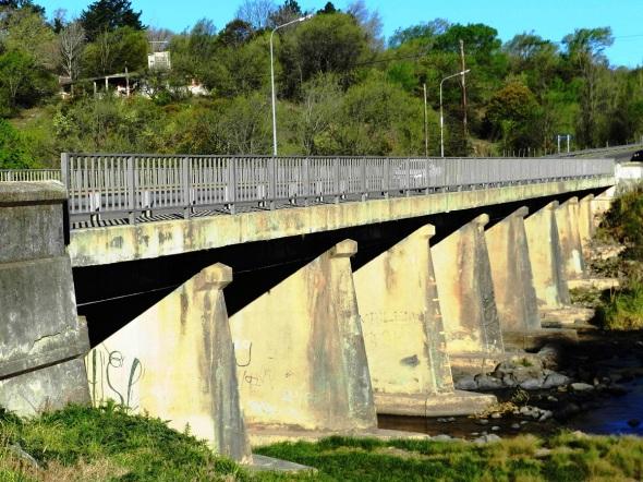El puente San Ignacio de Loyola Sobre el río Los Reartes se erigió en 1929