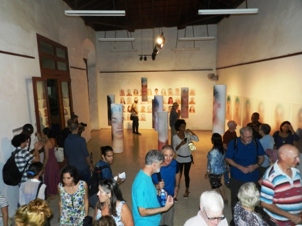 Exposición  de fotógrafo estadounidense en Camagüey insta a romper diferencias