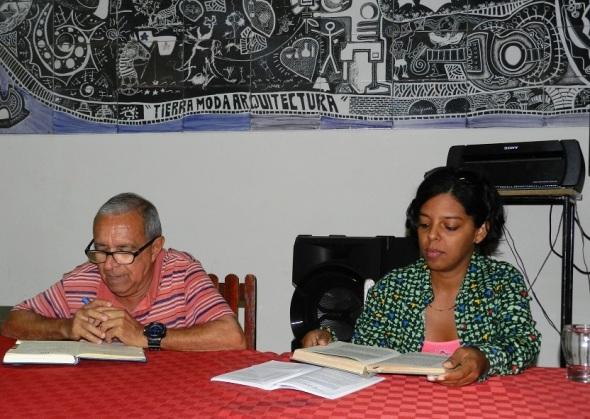 Jorge Santos Caballero y la joven asesora Evelyn Queipo