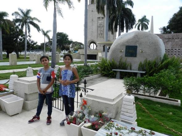 Los niños son los principales protaginistas en el homenaje peepetuo a Fidel