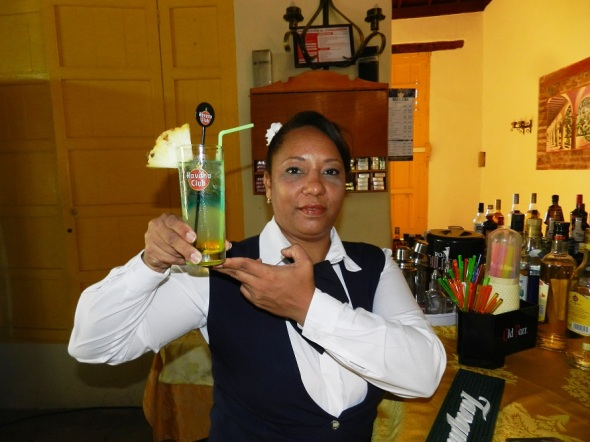Mayelin Viamontes Conde, dependiente gastronómica integral