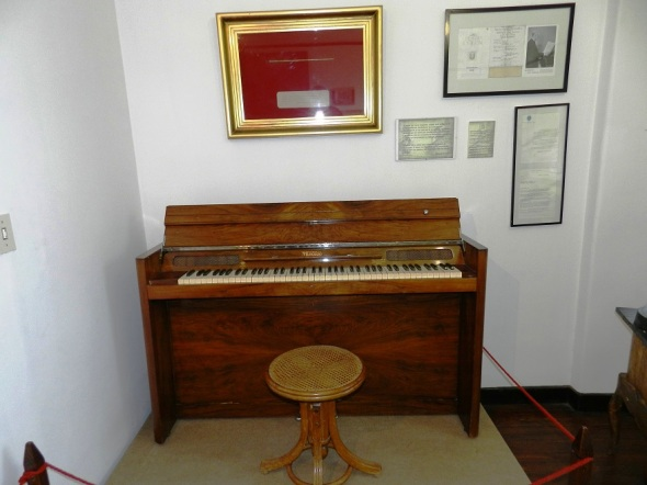 Piano que perteneció a Manuel de Falla, en Alta Gracia, Córdoba. Foto Lázaro D. Najarro