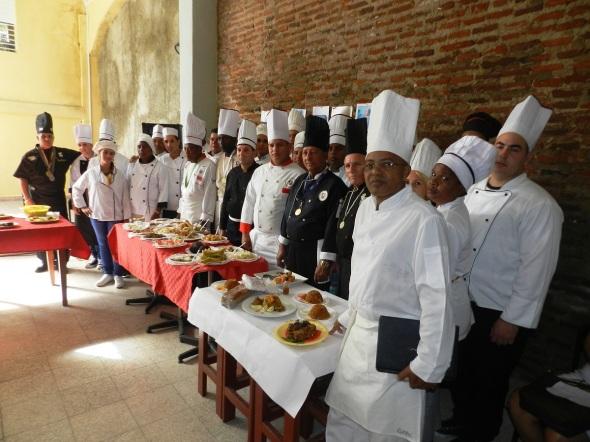 Chef , cocineros y alumnos que concurrieron Foto Lázaro D. Najarro Pujol