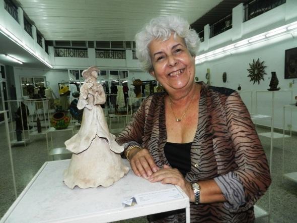Artesanos artistas dedican al Ballet de Camagüey su Salón de Premiados