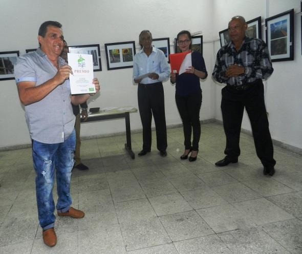 Leonardo Mejías Proenza alcanzó el galardón de la Popularidad en la XVI Edición Anual del Festival de Comunicación Social y el Premio Imagen 2017