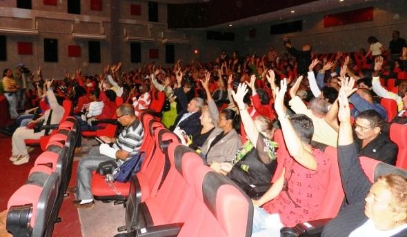 Aprobaron por unanimidad a los candidatos a diputados al parlamento cubano
