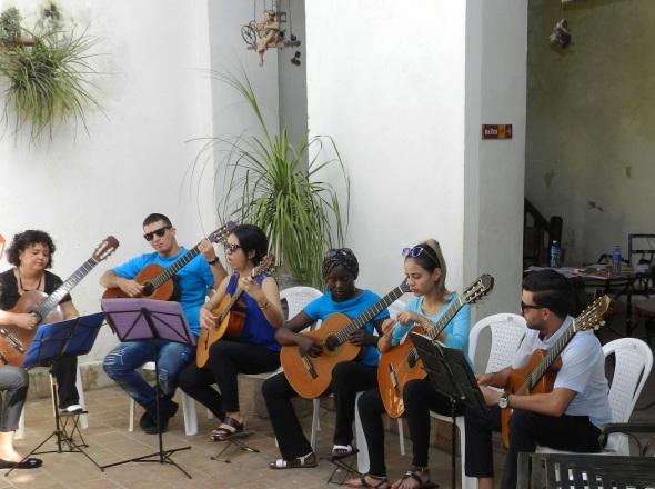 La cultura presente en el Festival Provincial de Vinicultores Artesanos