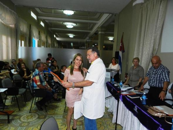 Irisbel Suárez Echemendía reconocmiento a quienes se destacaron en 2017