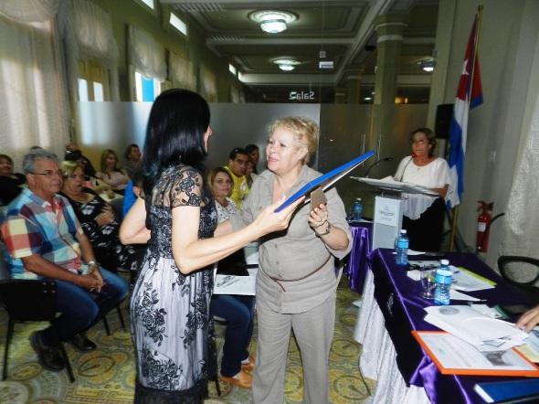Karina Gutiérrez Núñez reconocmiento por los resultados