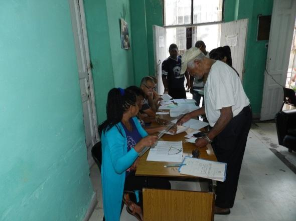 Camagüeyanos ejercen su derecho al voto