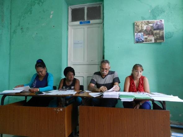 Desde las siete ante meridiano los electores del municipio de Camagüey dan su voto por la continuidad del proceso revolucionario