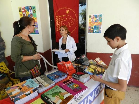 Editorial Caminos, del Centro Memorial Martin Luther King en La Habana acude tambien con textos para adolescentes