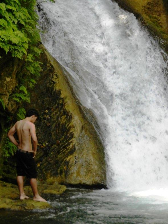 Cascada de Caburní