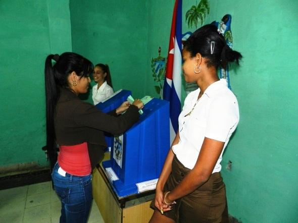 Los pioneros cuidan los urnas