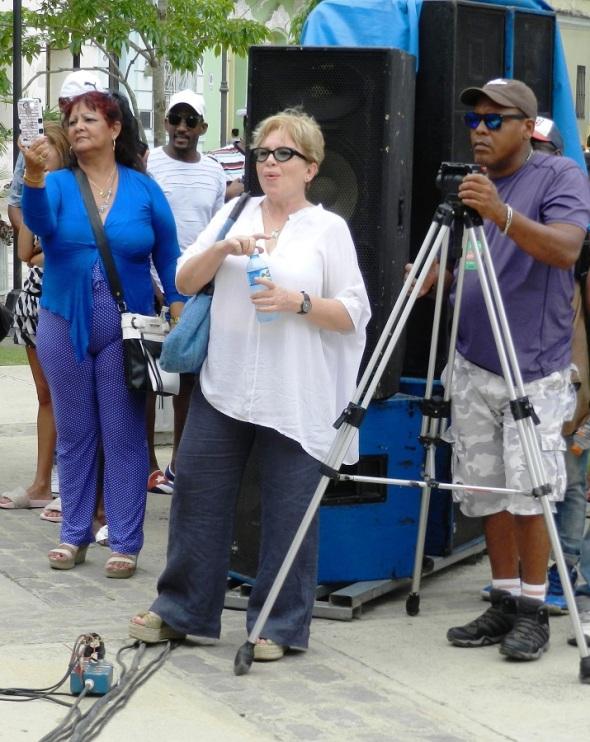 Isabel Santos Téllez, trabaja en la realización del documental cinematográfico Gente de Pueblo