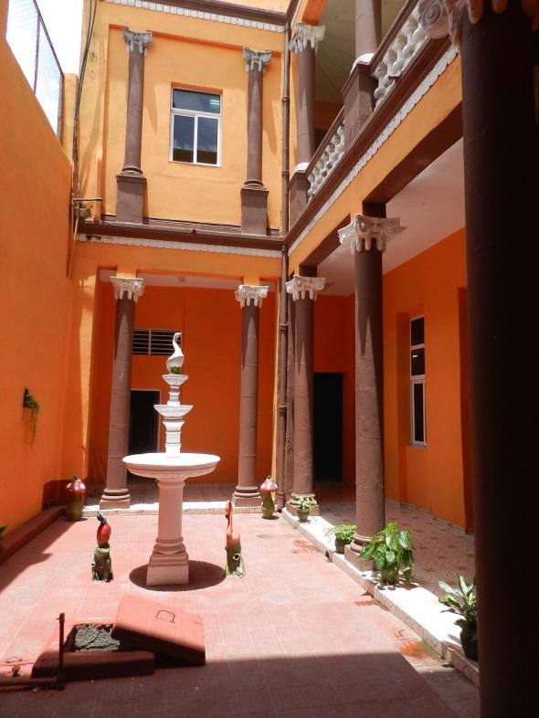 Patio interior Registro de la Propiedad en la ciudad de Camagüey