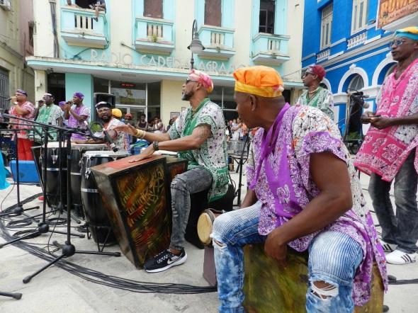 Rumbatá, dirigido por cantante, compositor y bailarín Wilmer Joel Ferrán