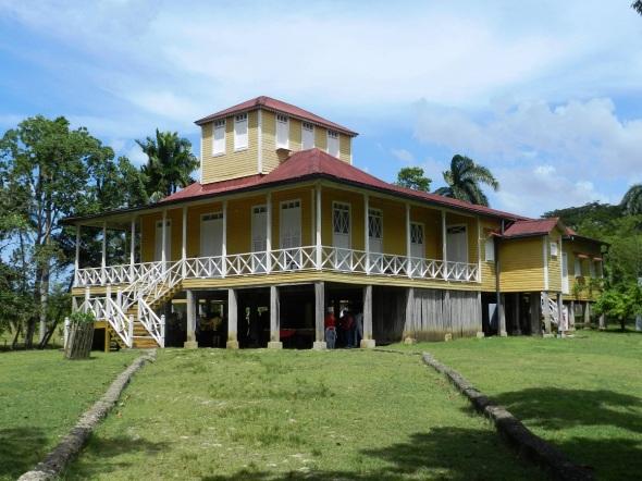 Edificación que perteneció a la familia Castro-Ruz