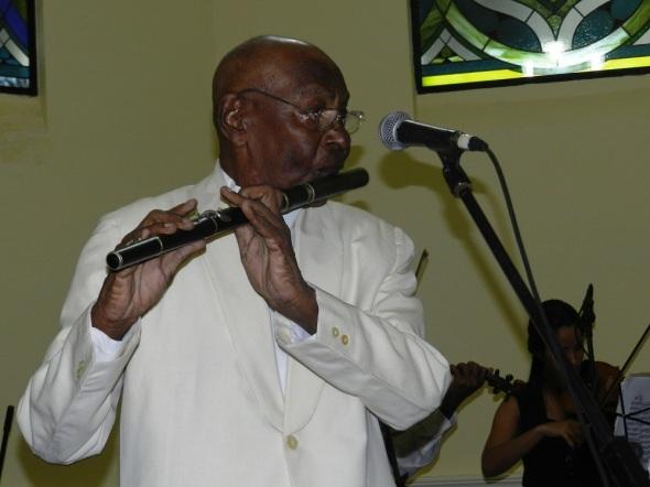 El sonido melódico de su flauta