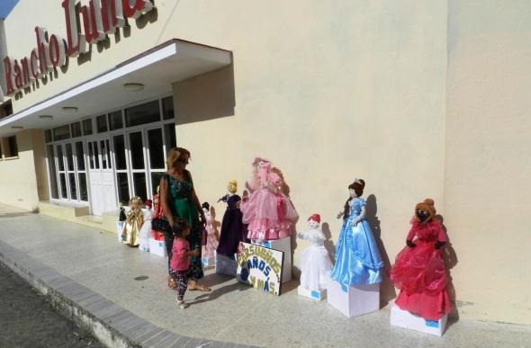 Exposición Carsueños .