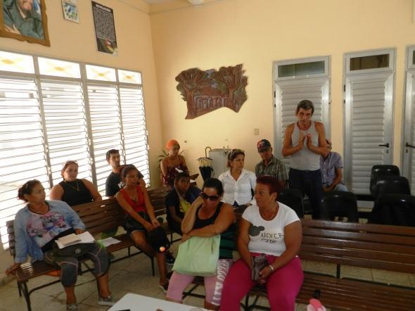 Propietarios e integrantes de una de las comisiones que participó en el estudio integral