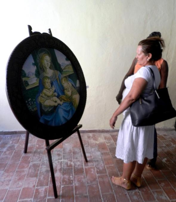 En Reencuentros cerca de un centenar de creaciones de más de 50 artistas de las artes visuales