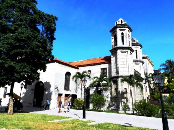 Otra vista de la Parroquia Santo Cristo del Buen Viaje, La Habana