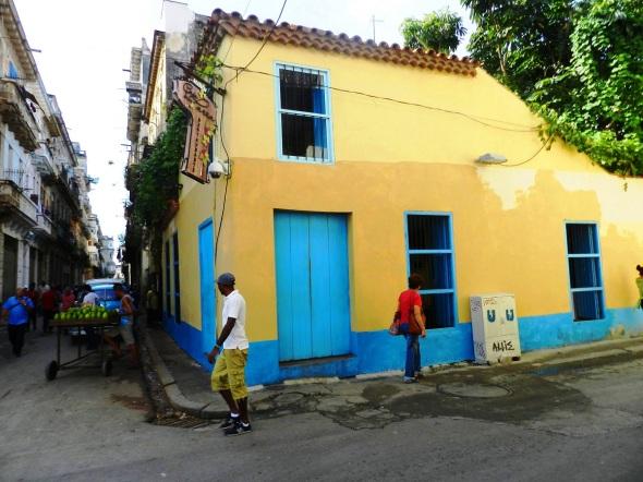 Edificación de valor Patrimonial próxima a la Plaza del Cristo, en La Habana