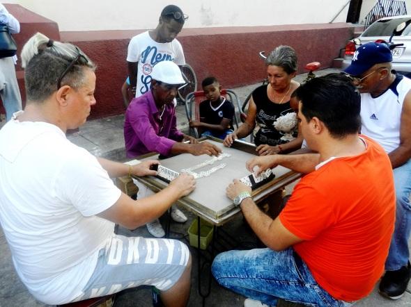 En el dominó cubano solo participan 40 fichas