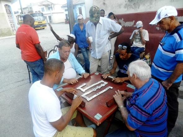 En la Peña del Dominó Santa Ana se juega el doble nueve en el que se utilizan 55 fichas