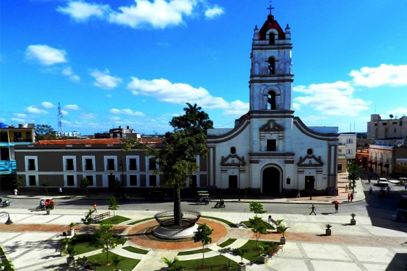 Iglesia de las Merced, Camagüey. Autor Lázaro David Najarro Pujol. Dimensión 12 x 18 cm