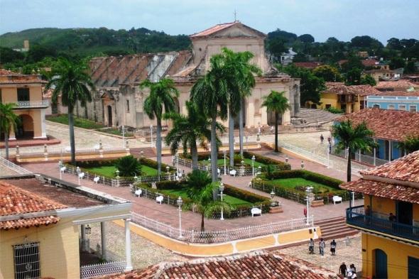 Plaza Mayor, Trinidad, Sancti Spíritus. Autor Lázaro David Najarro Pujol. Dimensión 12 x 18 cm